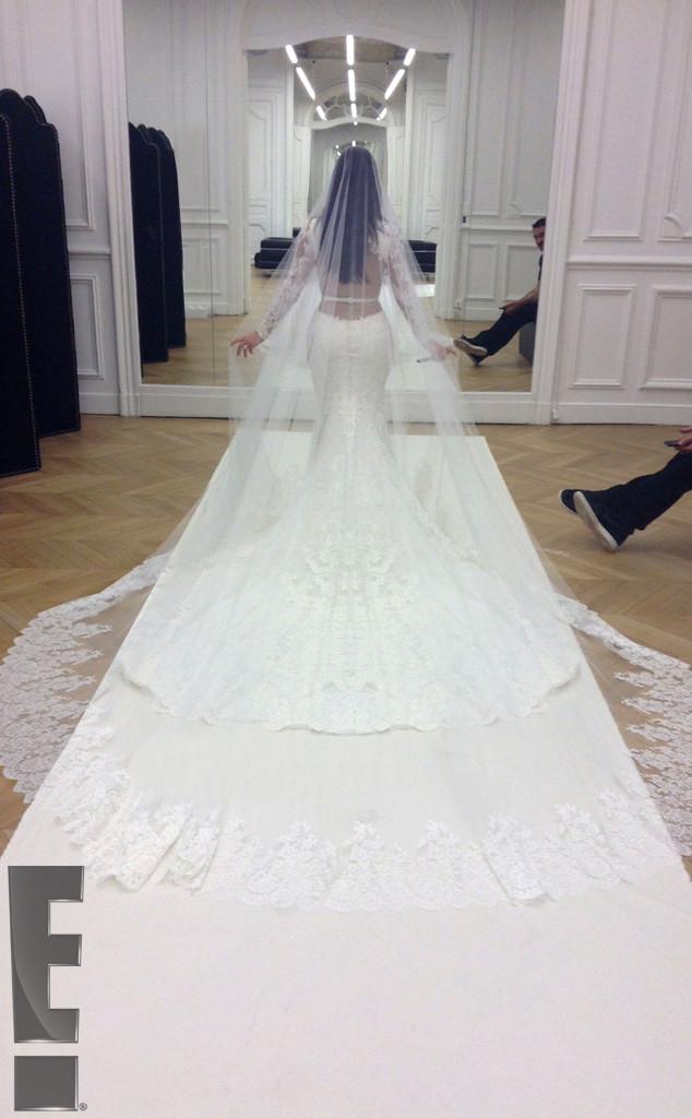 Kim Kardashian vestido de novia