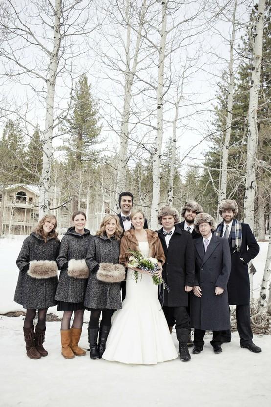 Abrigos y gorros para bodas