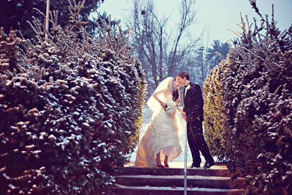 Christmas-Wedding-Couple
