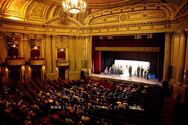 Baraboo_wedding_photographer_Al_Ringling_Theatre_06