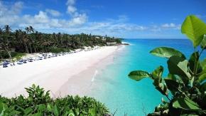 La-hermosa-playa-Crane-en-Barbados