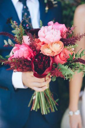 Rosa y melocotón ramo novias